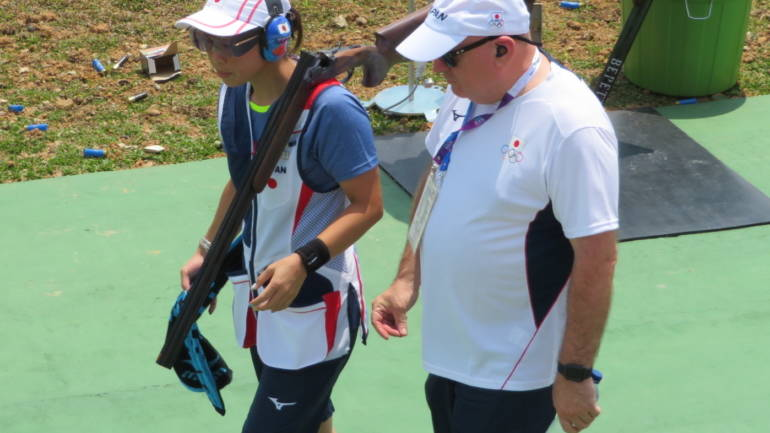 The Experienced Shotgun Coach : Learning from experience and giving it all back